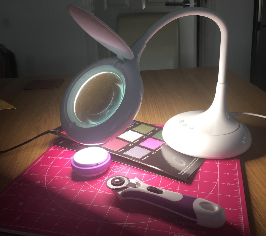 Chameleon Desk Magnifier N4237